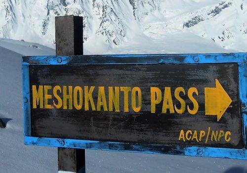 Tilicho-lake-with-mesokanto-trek